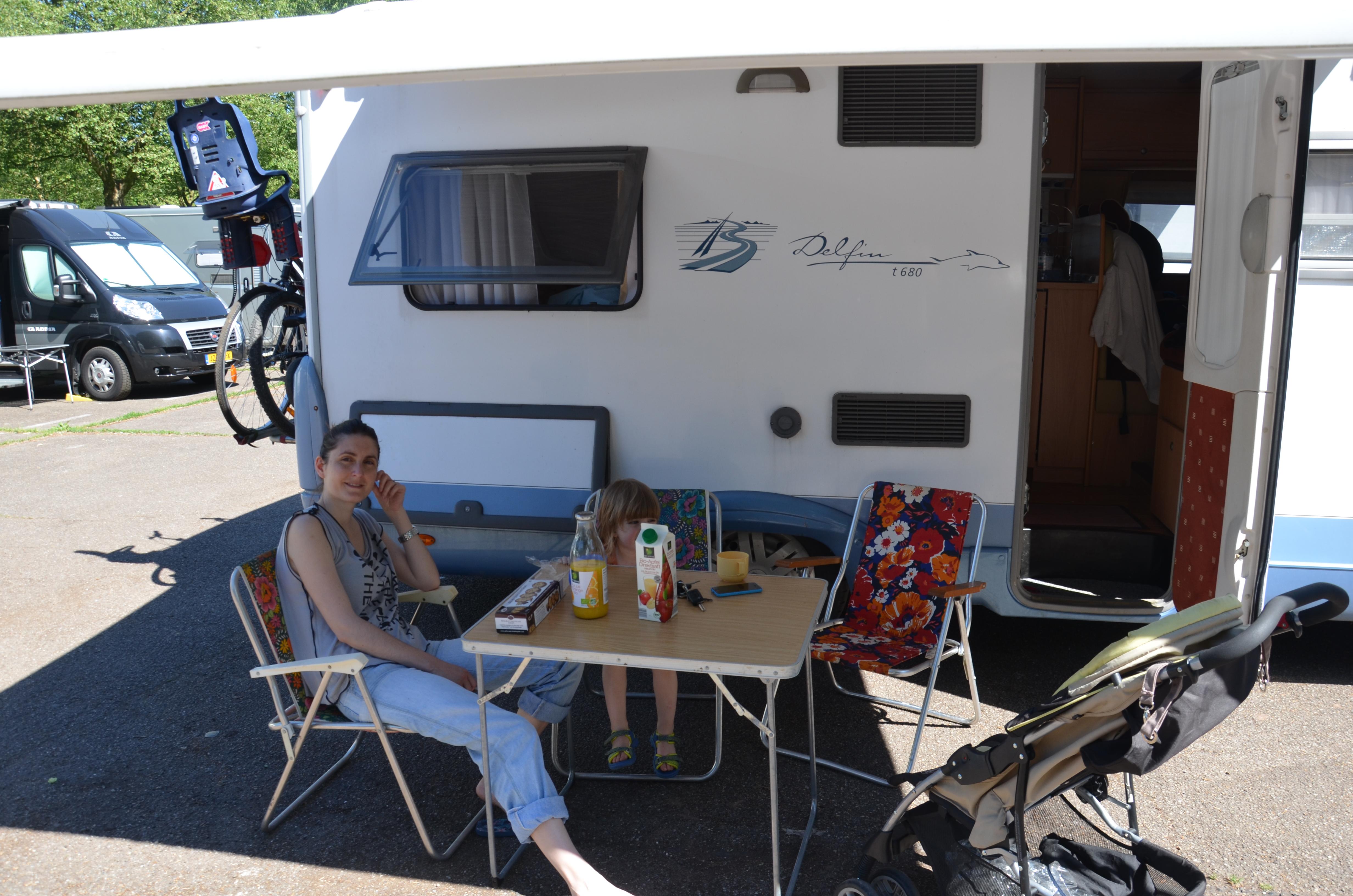equipement voyageureux camping car