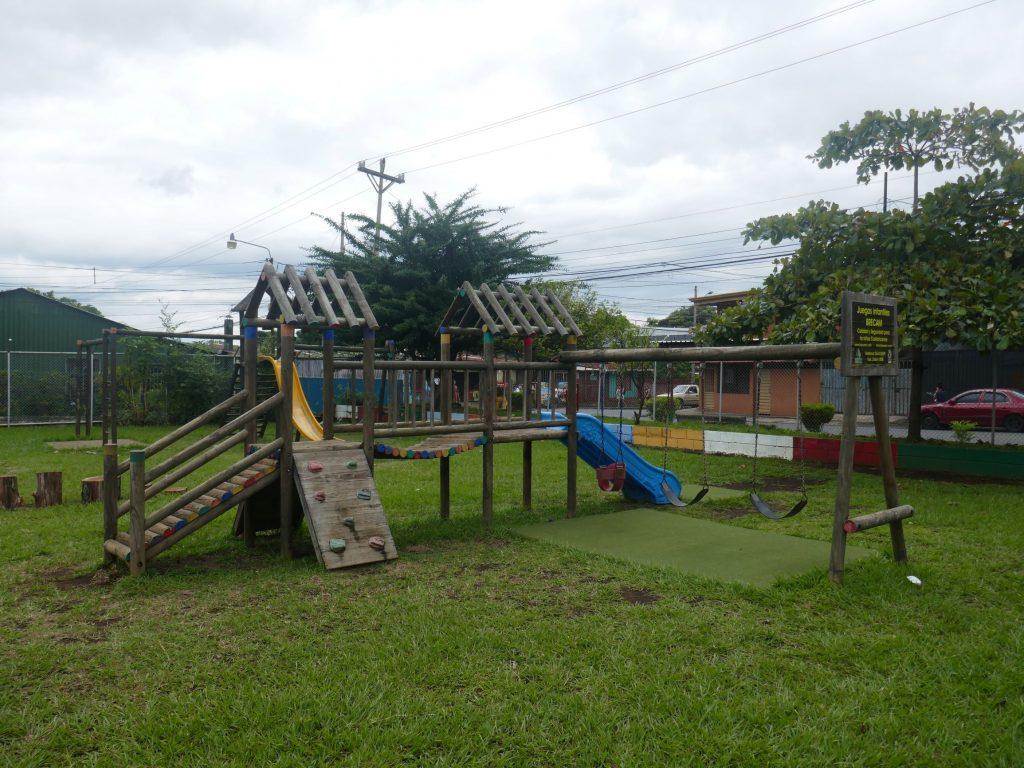 Air de jeu enfants Alajuela 1024x768 Costa Rica, première semaine en Slow travel