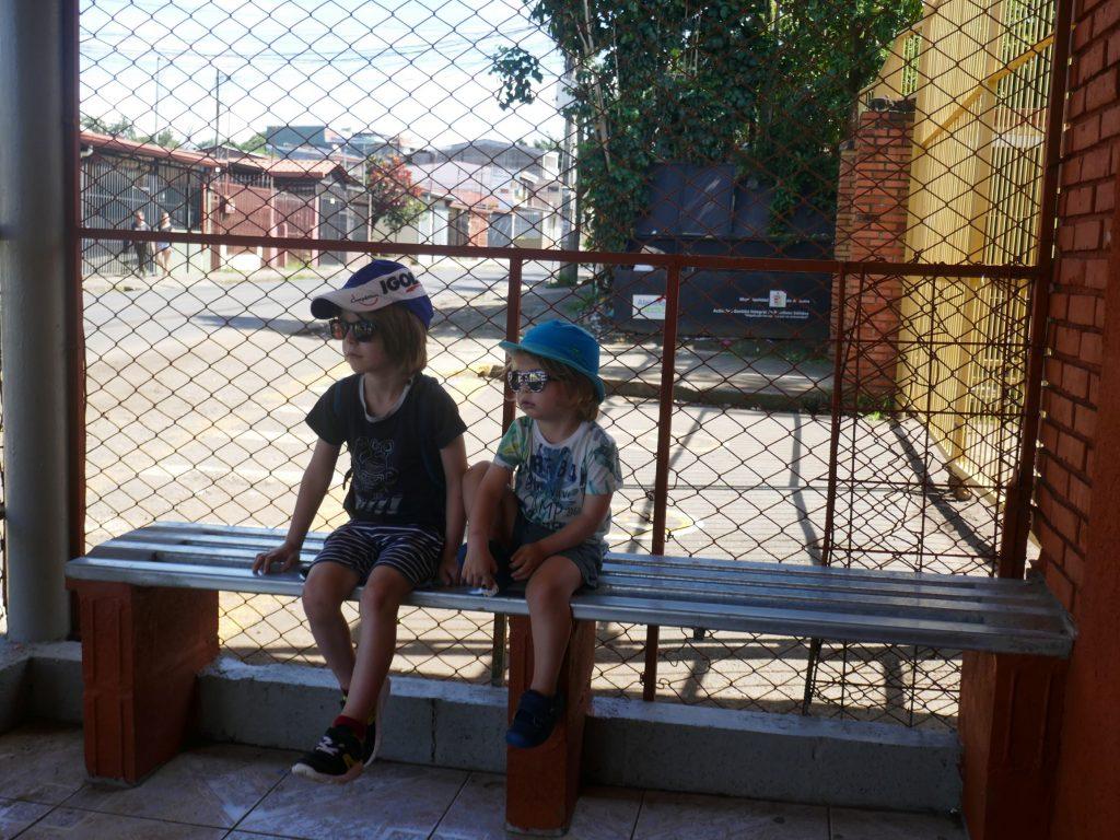 Enfant bus Costa Rica 1024x768 Costa Rica, première semaine en Slow travel