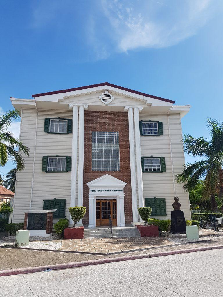 Belize city monument e1572054145526 768x1024 Le paradis a un nom : Caye Caulker
