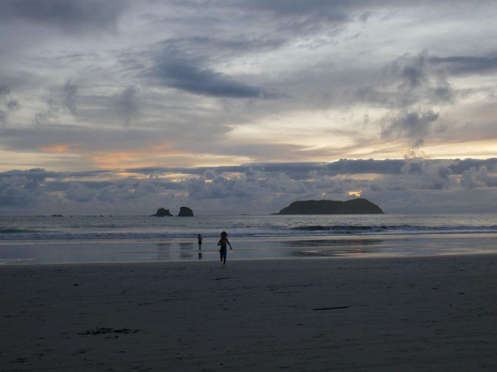 coucher de soleil quepos 1024x768 Quepos, dernière étape au Costa Rica ... pour le moment !