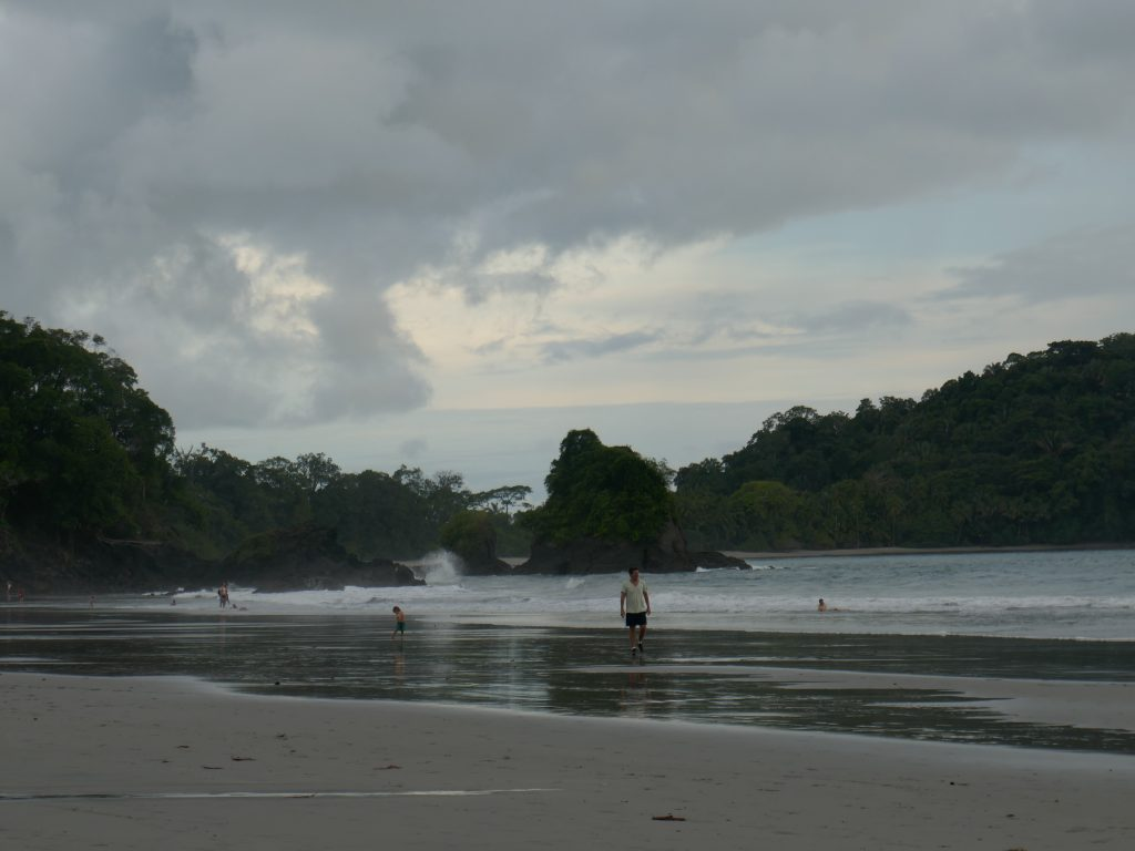 plage quepos 1024x768 Quepos, dernière étape au Costa Rica ... pour le moment !