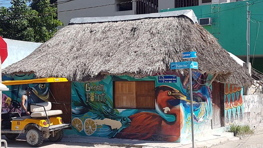 secne rue holbox 1024x576 Holbox, paradis en demi teinte
