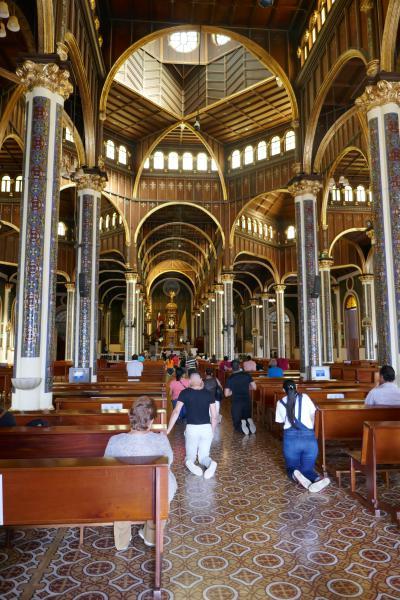 Cartago Cathédrale Intérieur Back in Costa Rica : Volcan Irazu et la vallée d'Orosi !