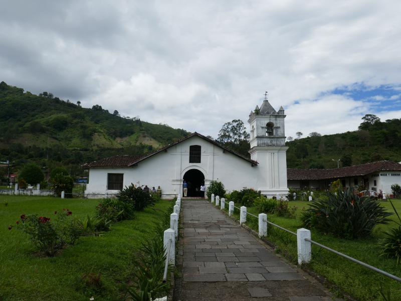 Eglise Orosi Back in Costa Rica : Volcan Irazu et la vallée d'Orosi !