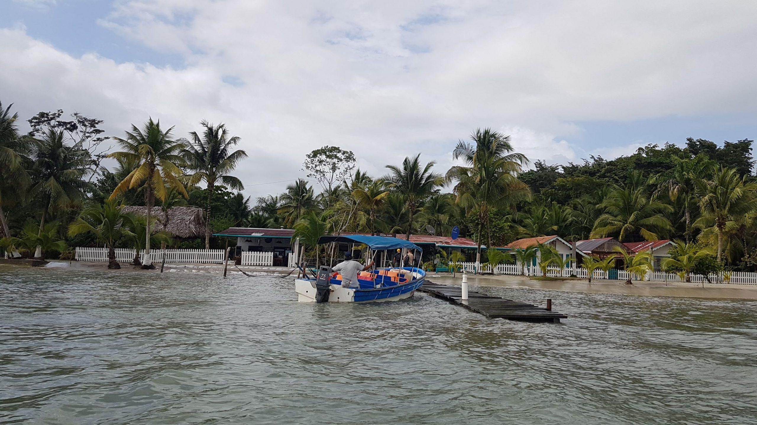 taxiboat panama scaled Le blog du voyage en famille